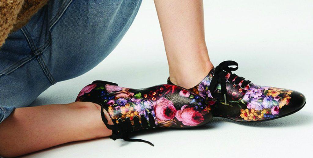 Radical Yes lace up shoes